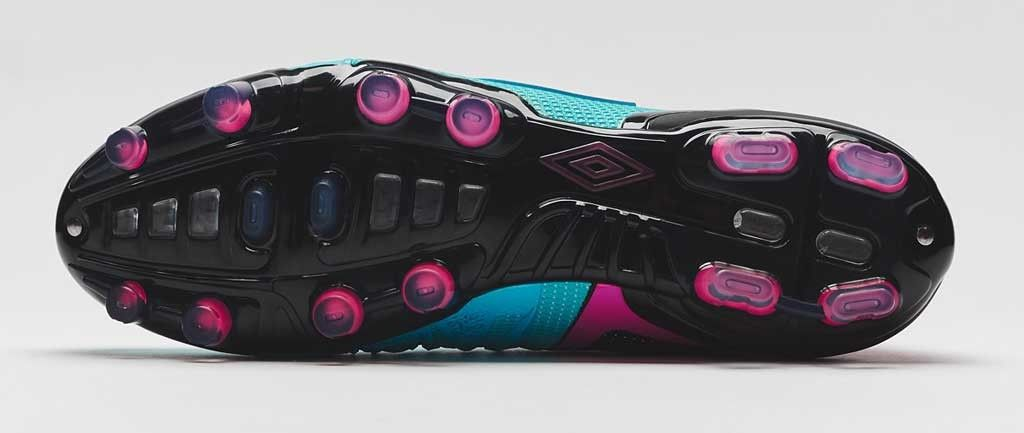 Umbro-UX-1-Blue-Atoll-Pink-Glo-4