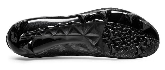 New-Balance-Furon-Blackout-6
